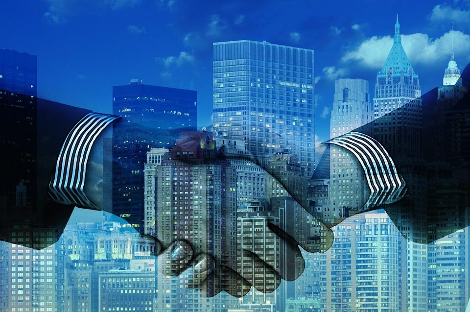hands 1063442 960 720 - 7 Fantastische Ressourcen, um mehr über Wirtschaft zu erfahren.