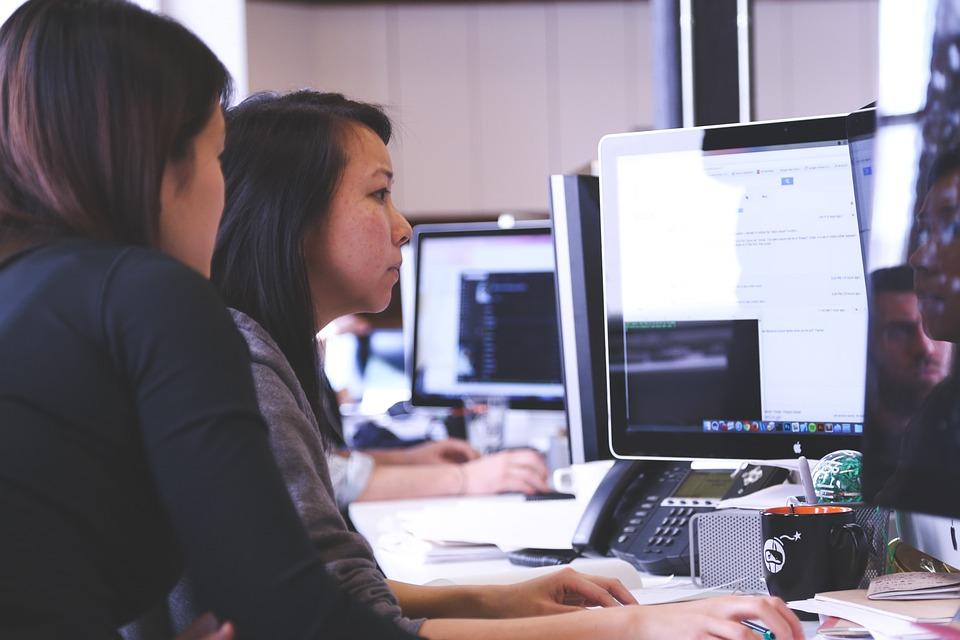 startup 849805 960 720 - 5 Faktoren, die die wirtschaftliche Entwicklung beeinflussen