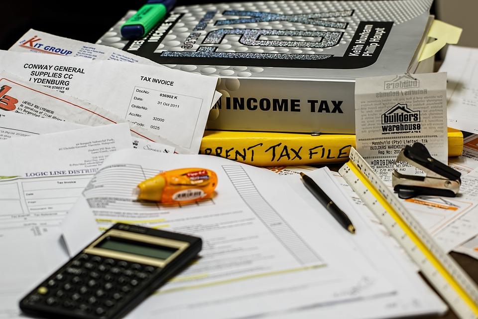 income tax 491626 960 720 - Die Auswirkungen der Arbeitslosigkeit auf die Volkswirtschaften