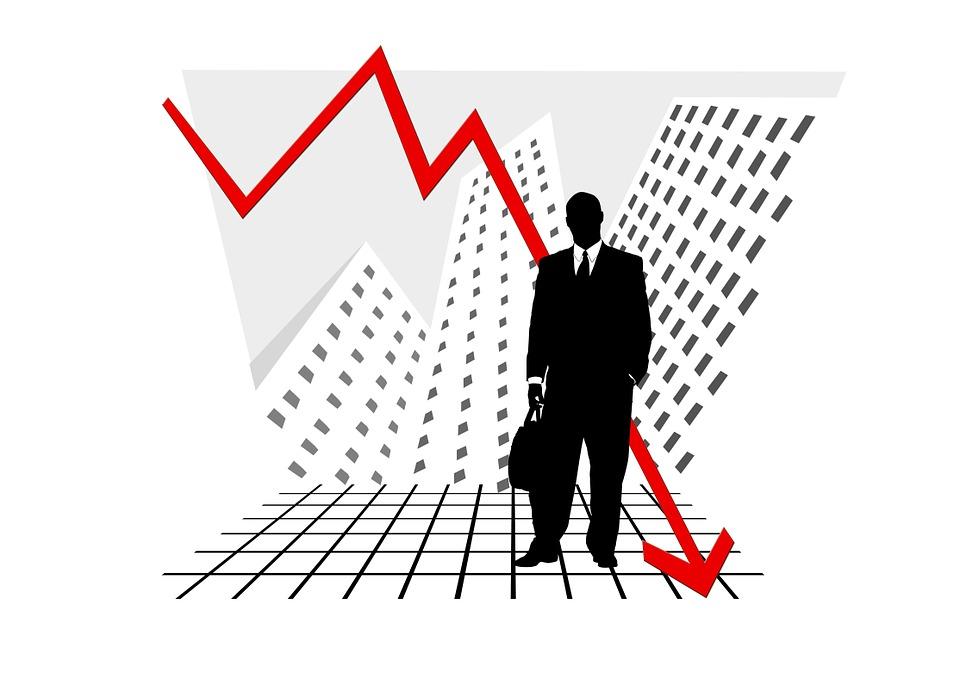 crash 215512 960 720 - 5 Auswirkungen einer Rezession auf größere Unternehmen